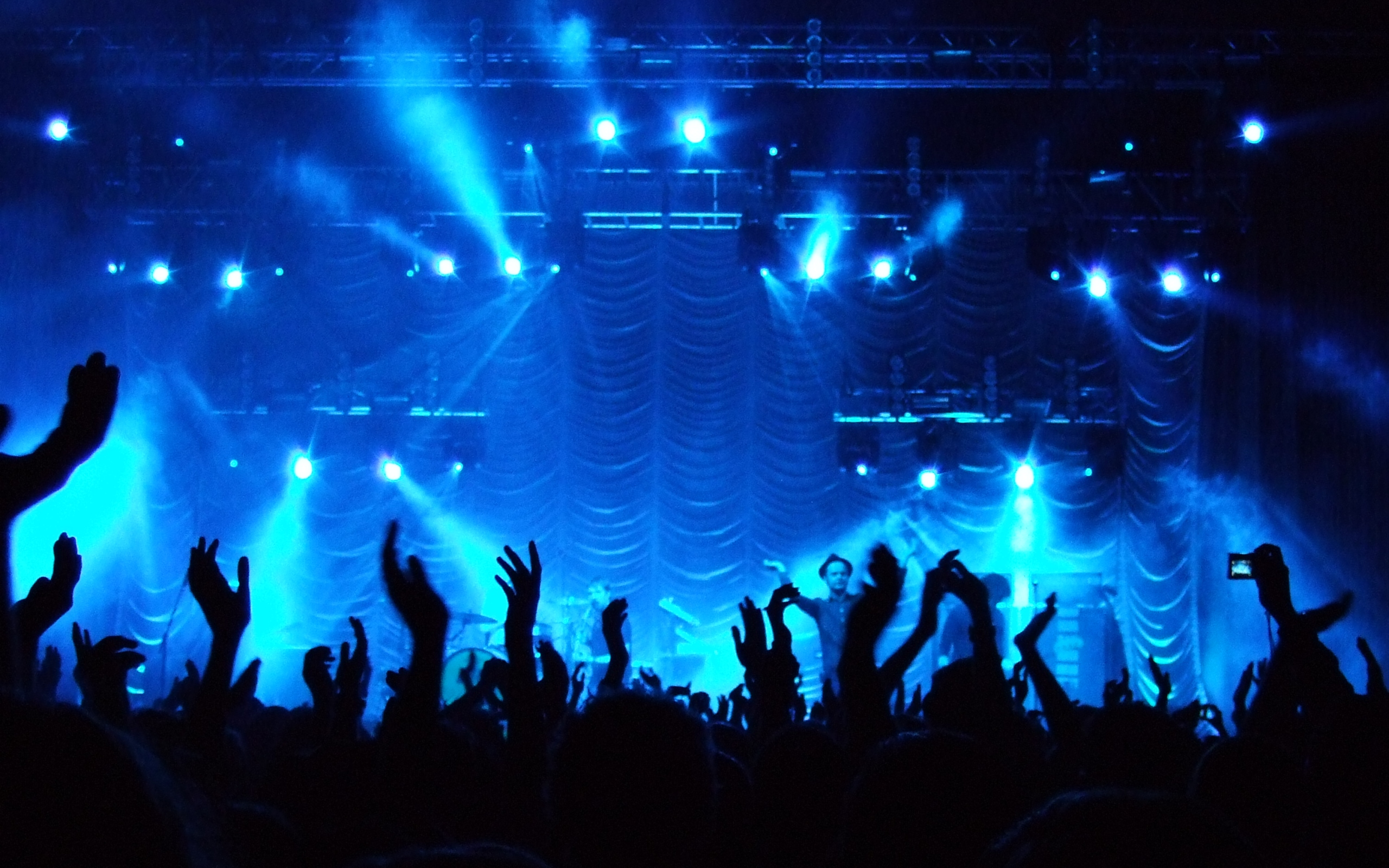 https://torontette.files.wordpress.com/2011/03/20090702-feedmewp-concert.jpg